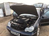 Mercedes Benz C 220 cdi diesel automatic avantgarde 2004 year estate spare parts available