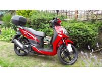 SYM Symphony SR 125 Scooter. Very low mileage and excellent condition