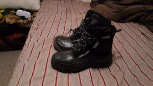 Never-before worn Mens Winter Boots