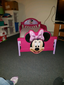 Minnie mouse 3d toddler bed with mattress