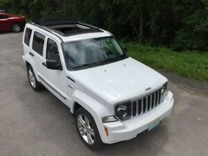 2012 Jeep Liberty Limited Jet only 67000 km
