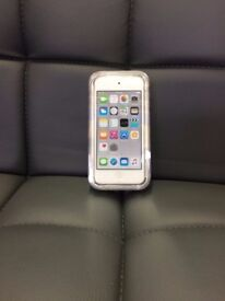 Apple Ipod Touch 6th Generation 16GB silver NEW IN PACKAGE