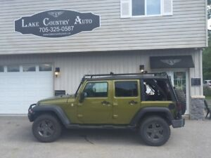 2010 Jeep Wrangler Unlimited Mountain Pkg-Soft and Hard top/Auto