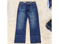 Men's New Blue GAP Jeans Standard Fit - Waist: 32 inches & Length: 32 inches