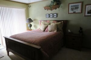 Room for full time student in executive home