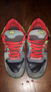 ***Men's Size 12 Pre-owned Nike Shoes***