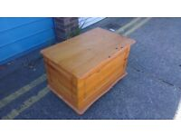 Pine storage / chest / trunk / toy box