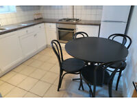 SPACIOUS 2 BED FLAT IN SOUTH WEST LONDON, NICE PROPERTY IN GOOD CONDITION 5 MINS. FULHAM BDY STN.
