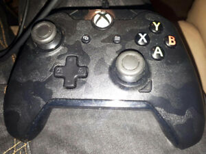 Selling wired xbox one controller