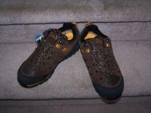 Brandnew Windriver men's hiking shoes