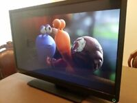 """32""""TOSHIBA LED TV DVD HDMI FREEVIEW GREAT CANDITION PERFECT WORKING ORDER 6MONTH OLD CAN DELIVER"""