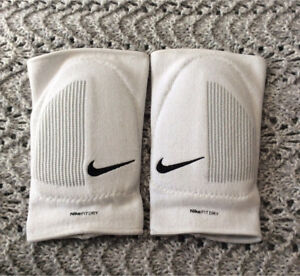 New Nike Volleyball Kneepads