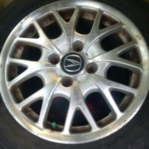 """4 Mags 16"""" Acura avec bolt pattern 4 x 100mm"""