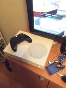 Xbox one s with black controller
