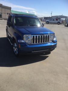 2010 Jeep Liberty LIMITED SUV, Crossover - wont last long