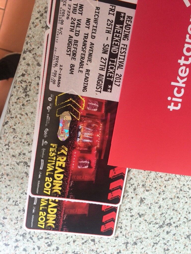 2 Weekend Reading Festival tickets (camping included)