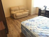 NICE! DOUBLE Room in Greenwich!