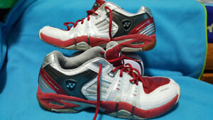 Tennis/Badminton/Volleyball, Yonex men size 9.5