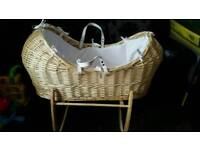 Claire de lune noah pod mosesbasket and matching rocking stand