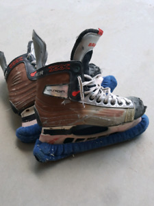 Well Used Bauer Vapor Skates