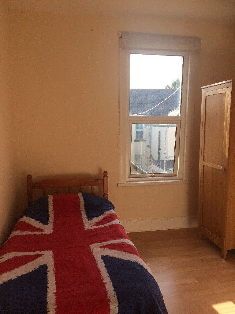 Room to rent. House share in Keyham, Plymouth. 5 minute walk to Dockyard.