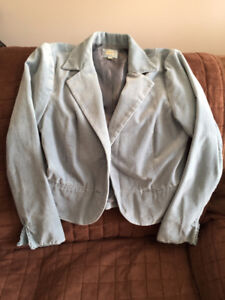 Selling barely worn jacket. Smoke free home