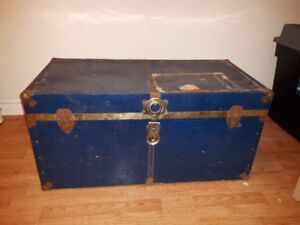 Coffre Métal Antique Metal Chest Trunk