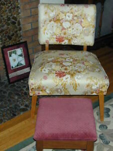 ANTIQUE CHAIR IN EXCELLENT CONDITION!!!  PRICE REDUCED!!!