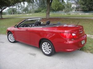 REDUCED UNTIL SUNDAY- 2010 Sebring Convertible - LIKE NEW -