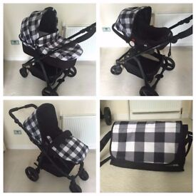 Bonitio Bebe travel system. Green and black