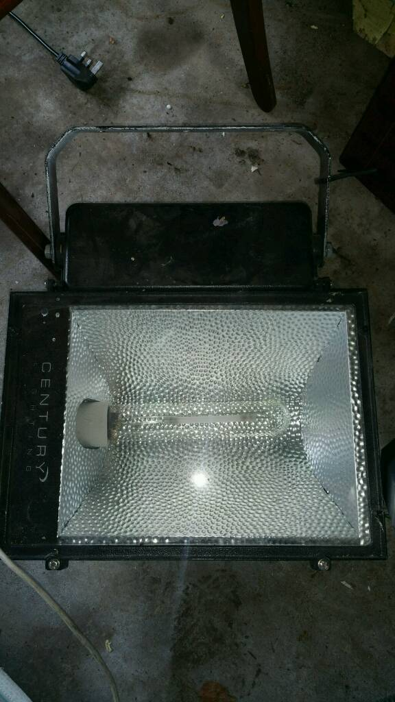 500w sonne flood lightin Tandragee, County ArmaghGumtree - 500w sonne flood light. Lights up whole large areas. Great condition