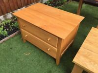 1x Solid oak side table / cabinet (with 2x drawers)