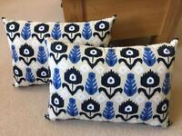 2 Cargo Cushions
