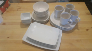 Dish set - 23 piece - reduced price