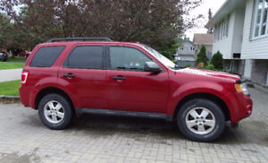2010 Ford Escape SUV, V6, Certified, Leather Seats