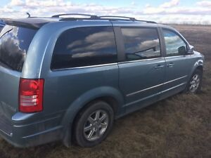 Parts van , salvage engine fire 2010 Chrysler town & country