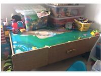 Universe of imagination children's play table