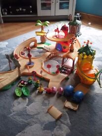 Jungle junction track set and boat