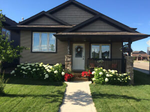 Newer Fully Furnished Home in Vanier Available Sept 1