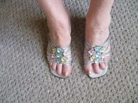 Ladies silver sandle