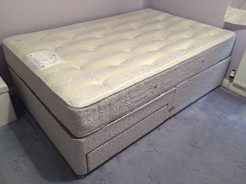 Divan with storage 3/4 sizein Kings Lynn, NorfolkGumtree - Divan with 2 drawers. 3/4 size 4dt wide Dorlux flexiform collection back care excel As new only used a handful of times. Excellent condition no marks Collection only