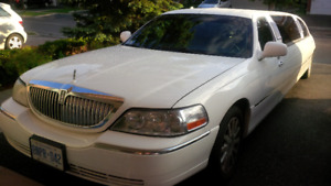 2006 Lincoln Town Car stretch limo