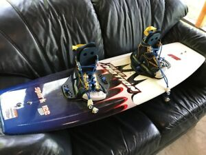 Brand New Free Motion Spark Kid's Wakeboard & Boots (122 cm)
