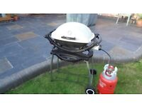 Weber gas bbq and trolley Q220