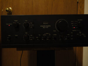 Amazing Vintage Sansui AU 717 Stereo integrated amplifier!