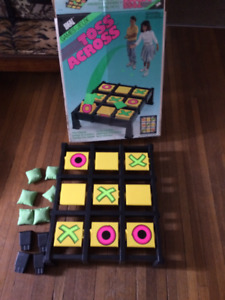 TOSS ACROSS Tic-Tac-Toe Game by Ideal