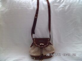 lovely ladies RETRO/HIPPIE casual pouch style handbag by Ferran Monzo