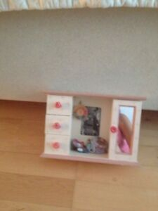 Jewellery storage for children with a picture frame