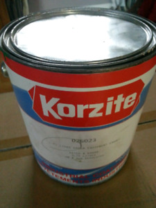 Korzite paint Green or Red equipment enamal. New never opened.