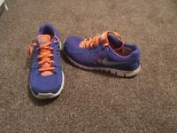 Nike size 5 ladies running trainers